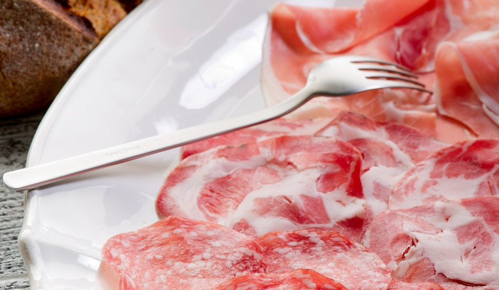 variety of salami and ham - varieta di saliumi